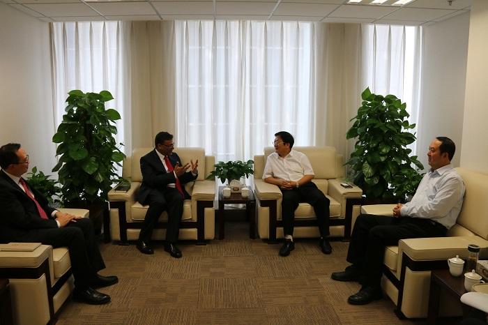 山西金控集团党委书记、董事长张炯玮会见汇丰环球投资公司Sri一行